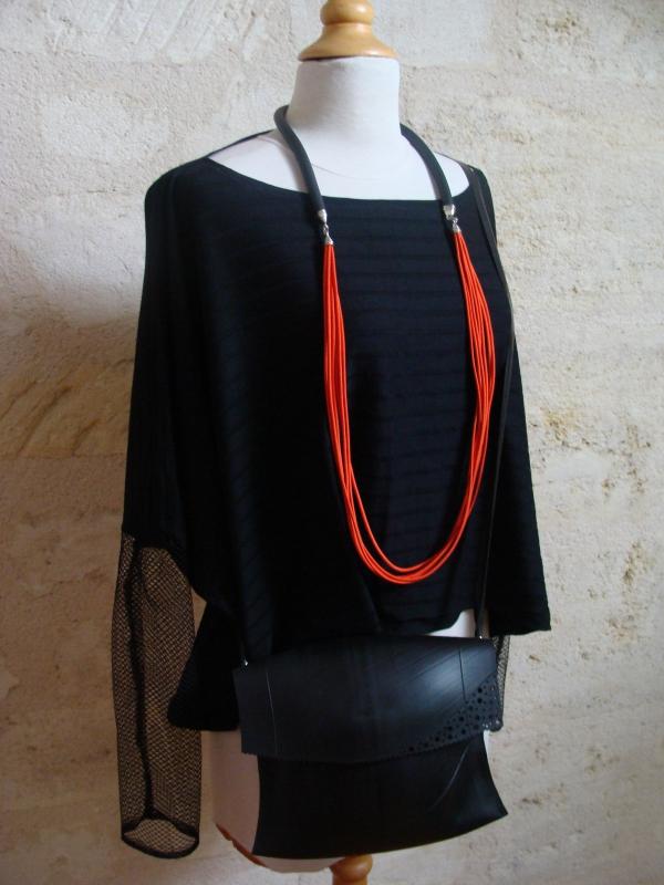 tenue de rentrée : pull LoOose, collier Sirène transformable, sac en chambre à air