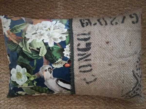 coussin , déhoussable, en sac de café et velours