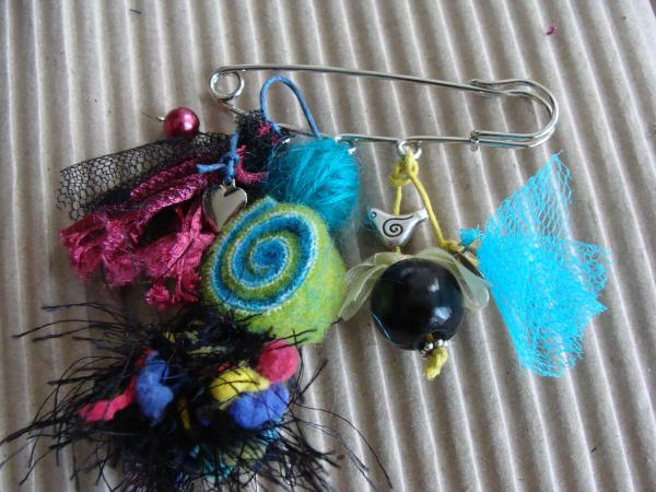 "collection 2011 broche ""mimi"""